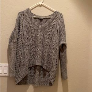 Over sized v-neck grey cable sweater super comfy